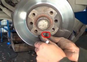 Замена тормозных дисков передних опель