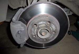 Замена тормозных дисков шкода